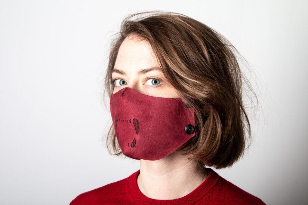 Neoprene face mask.