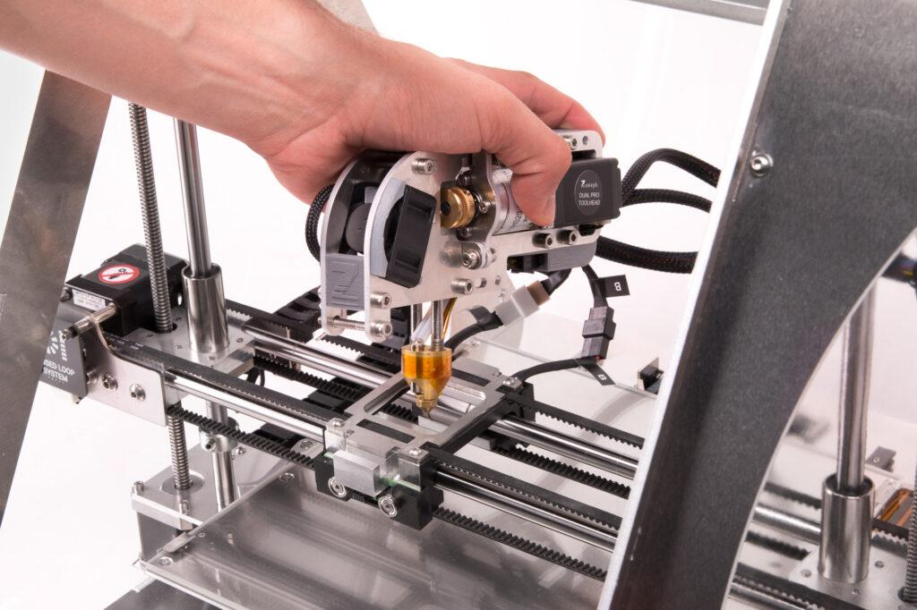 Mounting the Dual Extruder on ZMorph VX.